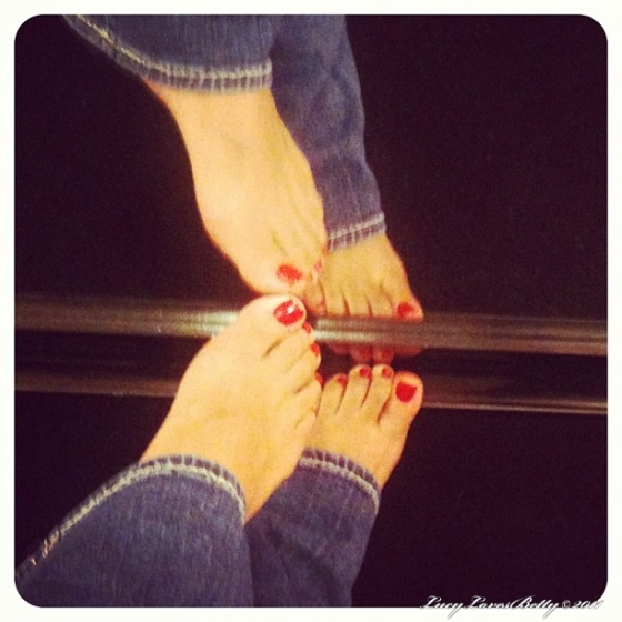 I Love My Pretty Feet And Beautiful Shoes Photos Of My Feet Bare And Encased In Pretty Shoes